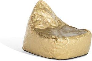 Ein Sitzsack in Farbe Gold